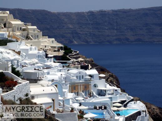 Cliffside hotels in Oia Santorini