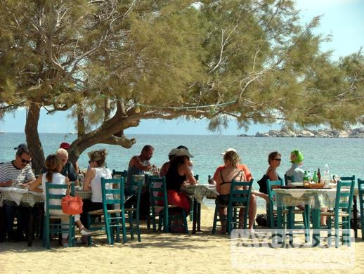 Paradiso Taverna on Plaka Beach on Naxos