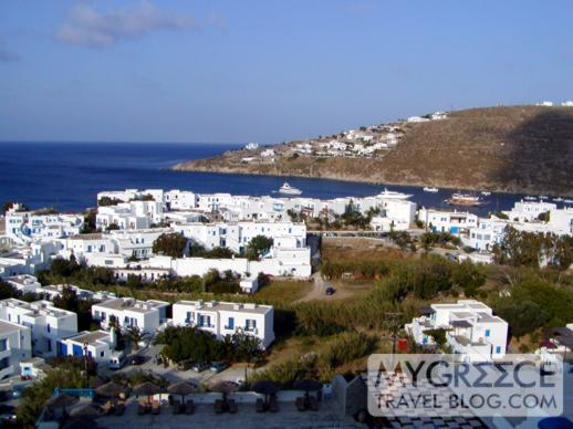 Platis Gialos and Psarou Bay