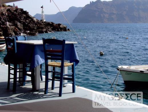 Taverna table at Amoudi Bay on Santorini