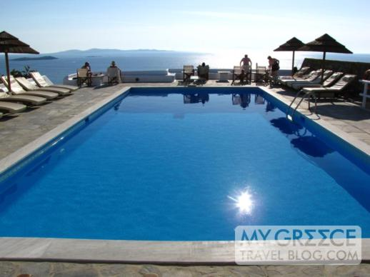 Hotel Tagoo swimming pool