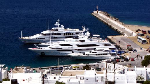 luxury yachts at Mykonos