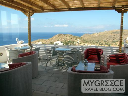 Hotel Hermes Ios outdoor cafe-bar terrace