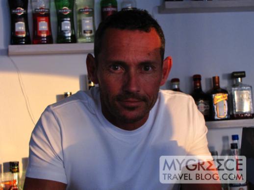 Rochari Hotel Mykonos bartender Darren