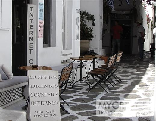 Bolero Bar in Mykonos Town