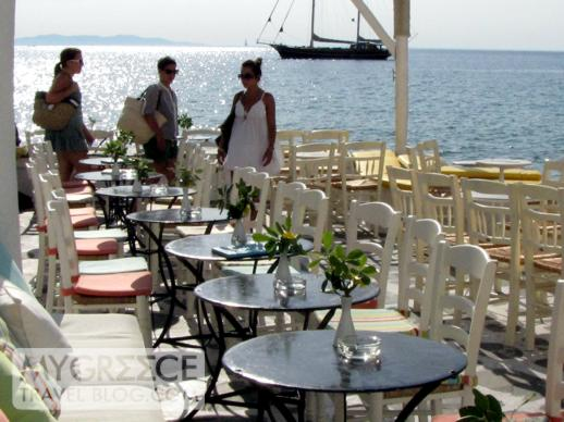 a cocktail bar at Little Venice in Mykonos