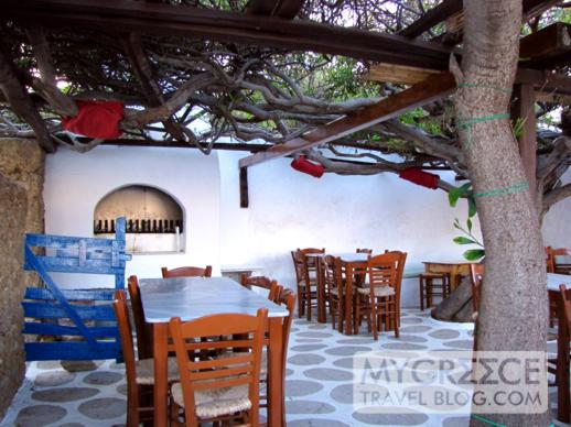 Kikis taverna at Agios Sostis on Mykonos