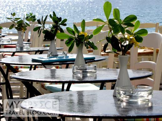 a cocktail bar in Little Venice Mykonos