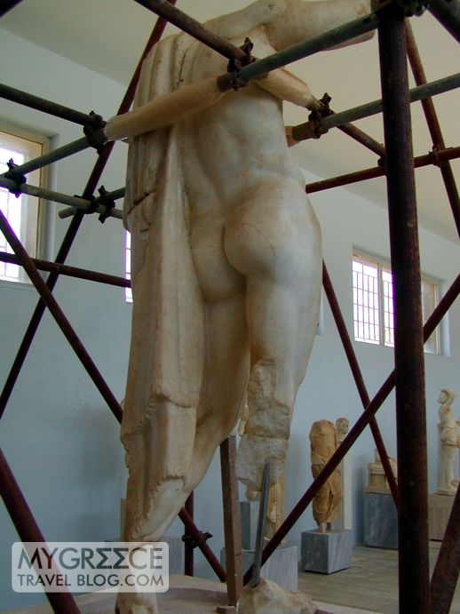 a sculpture in the Delos archaeological museum