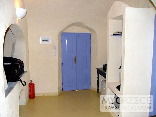 Cliffside Suites Santorini Room 119