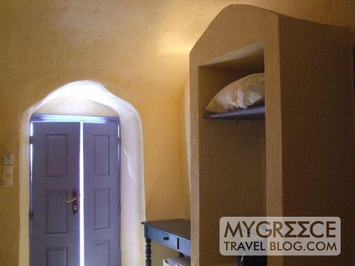 Grotto Villas Cliffside Suites Room 119