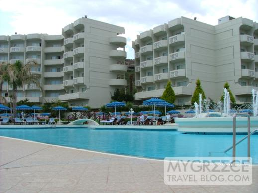 Rodos Palladium Hotel swimming pool