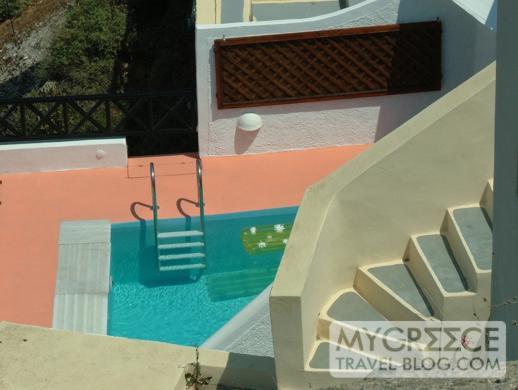 swimming pool in Imerovigli on Santorini