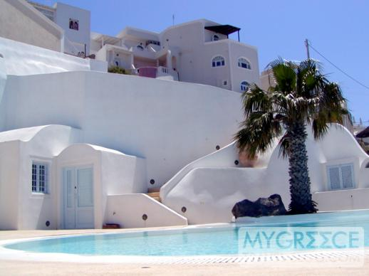 private swimming pool in Firostefani on Santorini