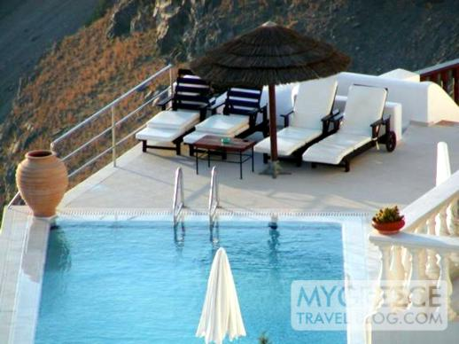 swimming pool at Firostefani on Santorini