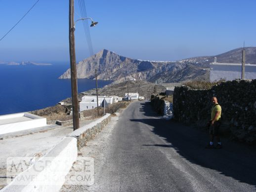 Ano Mera road in Folegandros
