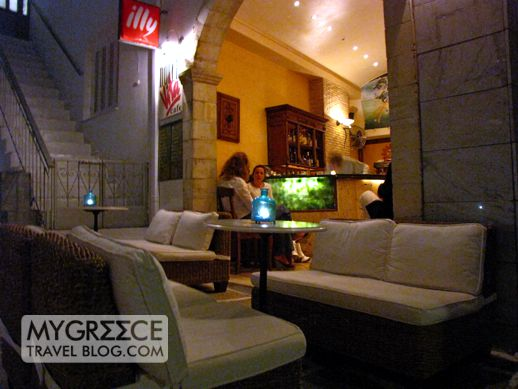 Dolce Vita cafe in Chora on Ios