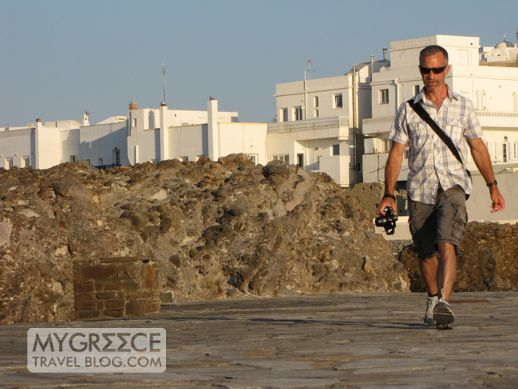 DonnyB walking from Naxos Town to the Portara