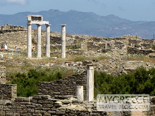 Establishment of the Poseidoniasts on Delos island