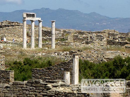 Establishment of the Poseidoniasts on Delos island