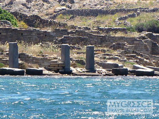 ancient commercial port on Delos