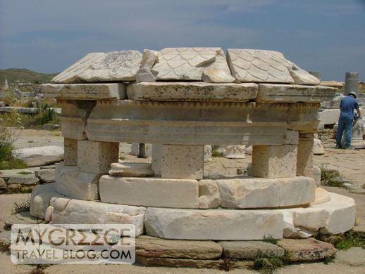 Agora of the Competialists on Delos island