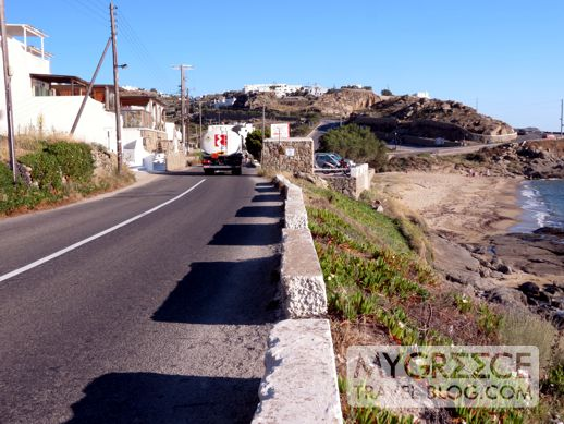 road from Tourlos to Mykonos Town