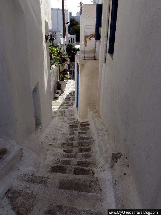 lane in Mykonos Town