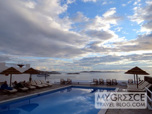 clouds agove Mykonos