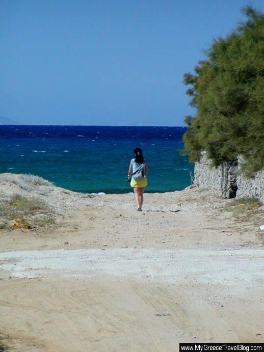 road to Stelida beach