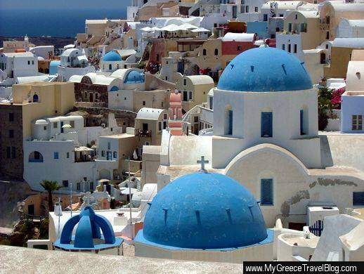 churches in Oia Santorini