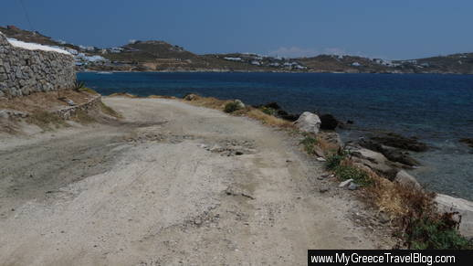road from Kapari to Agios Ioannis