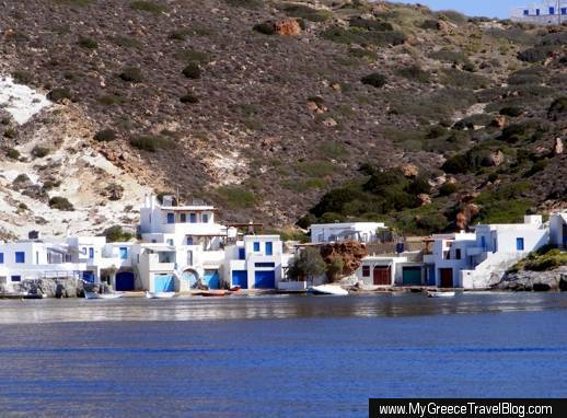 Fourkovouni fishing village on Milos