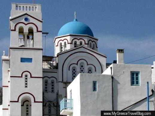 Agioi Anargiroi church in Tholaria