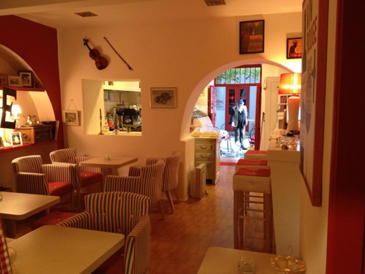 The interior of L'Ile Bistrot Cafe in Mykonos Town