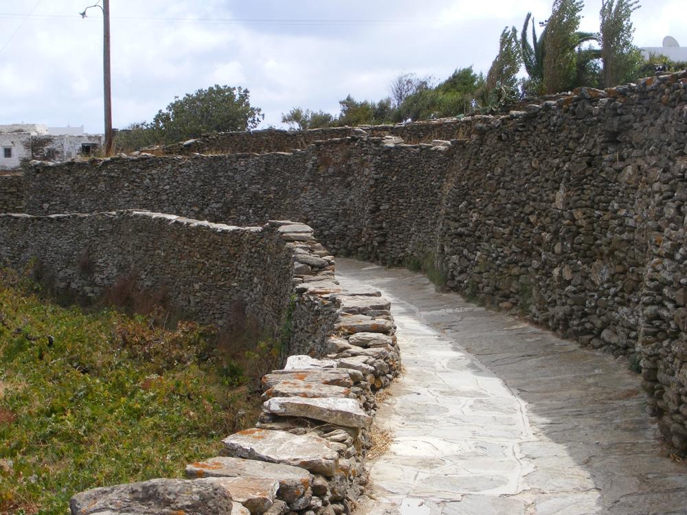 footpath in Artemonas village