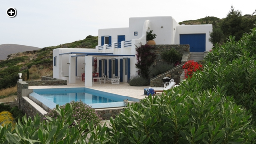 A villa with an infinity swimming pool on a hilltop in the Danakos area of Syros