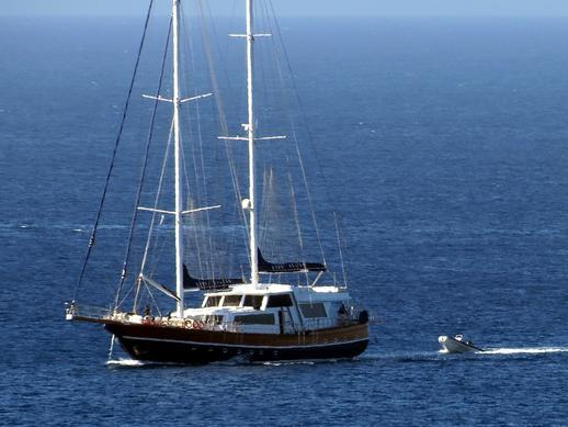 sailing yacht at Agios Prokopios