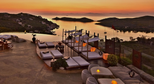 Aigis Suites resort on Kea island