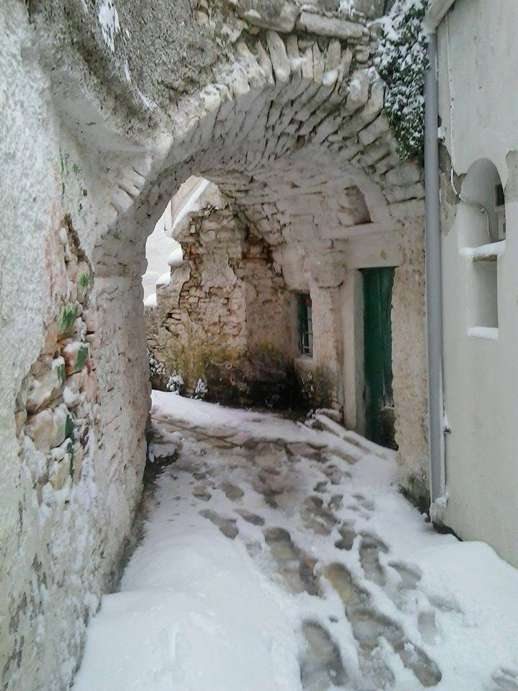 Snow at Apeiranthos