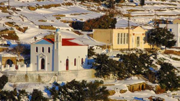 Snow at Arnados Tinos