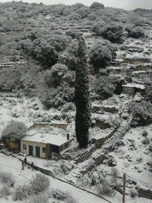 Snow at Filoti