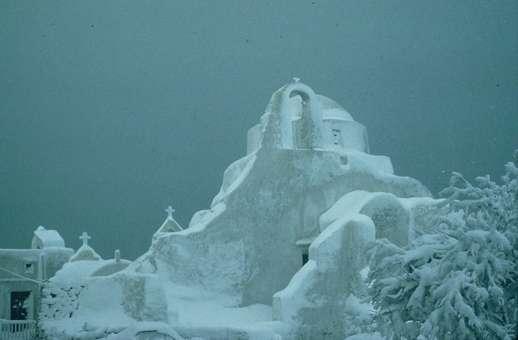 Snow on Paraportiani church