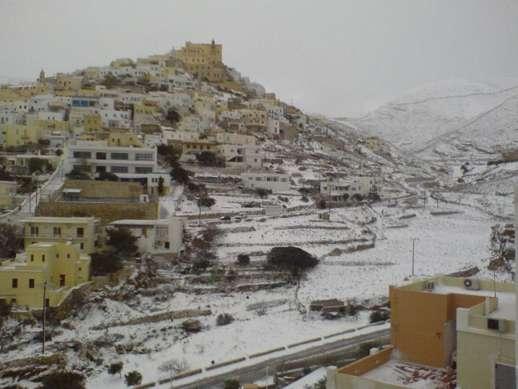 snow at Ano Syros