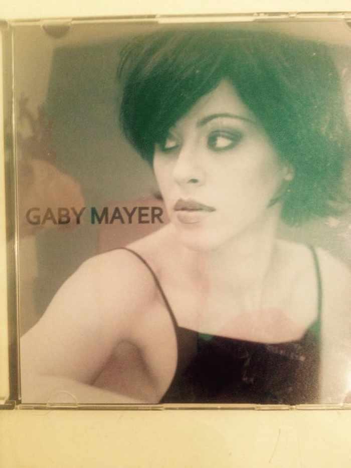 Gaby Mayer live acoustic performance at Melting Pot restaurant Mykonos