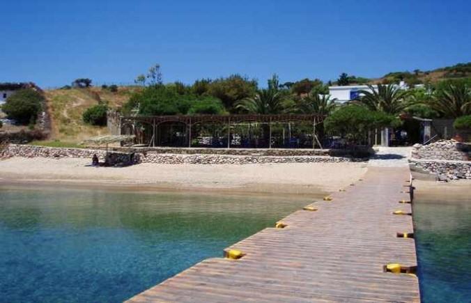 Pantelis Marathi island resort