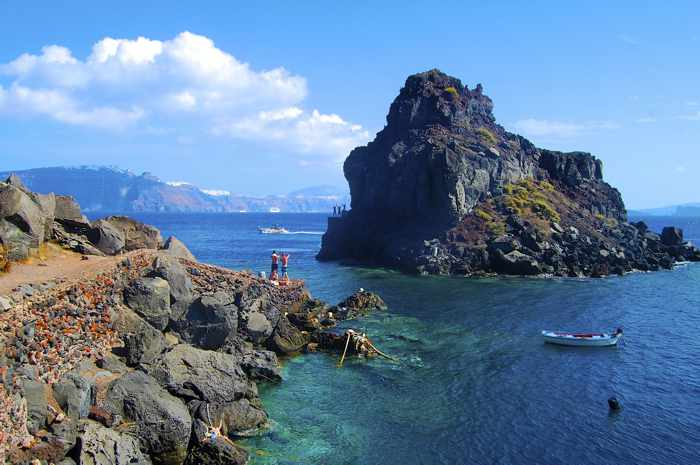 Photo by Rocio Lluch if the swimming area near Amoudi Bay Santorini