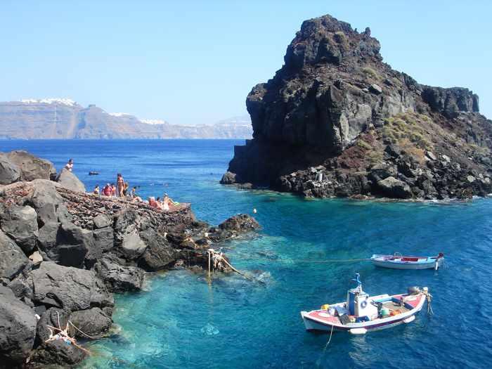 Amoudi Santorini swimming area photo by Flickr member chen Mizrach