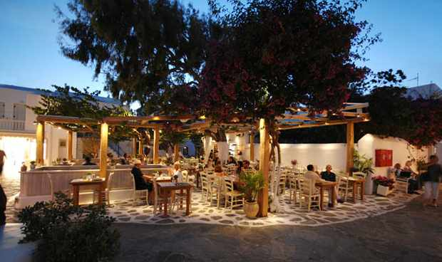 Familia restaurant in Mykonos Town photo from the restaurant's website