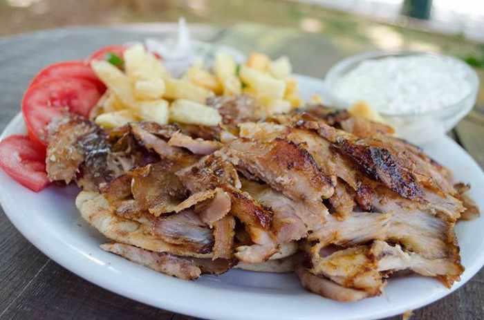 Gyro plate from Souvlaki Kipseli Kalamaki restaurant in the Food Mall Mykonos